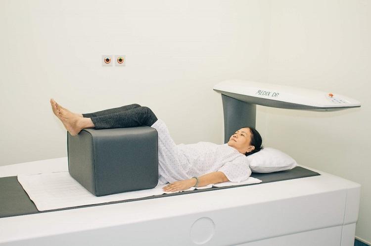 Hình 3b. Đo loãng xương tại Bênh viện Quốc tế Becamex