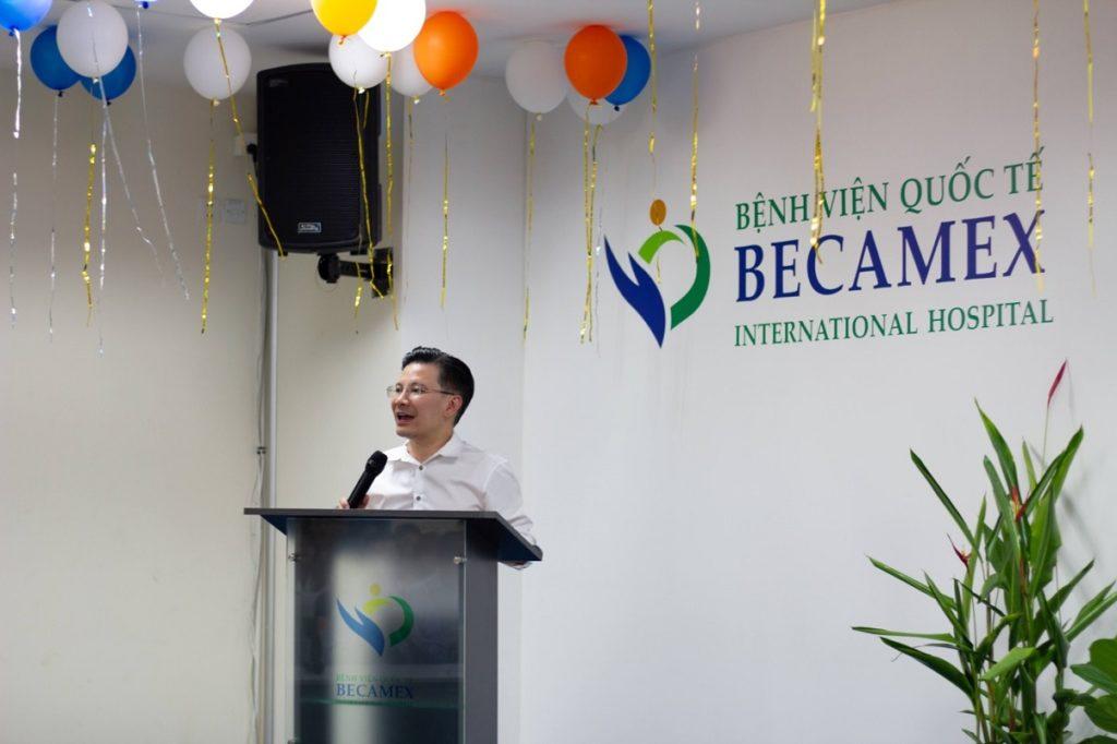 Hình 3. Phó Chủ tịch Hội đồng Quản trị phát biểu trong Lễ tổng kết