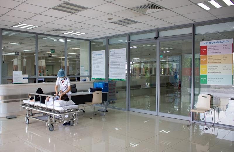Hình 2. Người bệnh được tiếp đón và phân mức ưu tiên cấp cứu