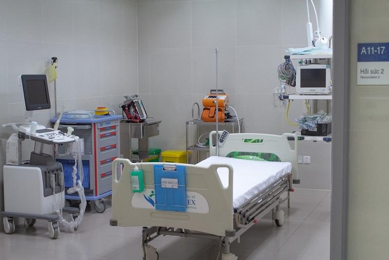Hình 4. Buồng hồi sức bệnh nặng với đầy đủ thiết bị cấp cứu